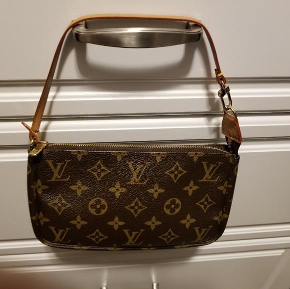 9e8f3d0abf Louis Vuitton Bags | Preowned Pochette | Poshmark